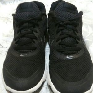 Nike black flex experience 4 shoes size 9
